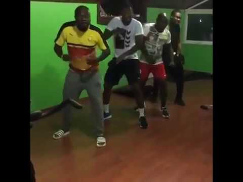 Ghanian Footballers can Dance | WATCH