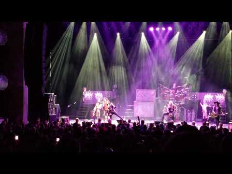 POISON ALICE COOPER LIVE KAUFMAN CENTER FOR PERFORMING ARTS KANSAS CITY MO 8 6 2018