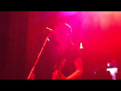 Casino Madrid, Live, Intro For Kings & Queens/TheDevilOnMyShoulderKnowsHowToParty -HD mp3