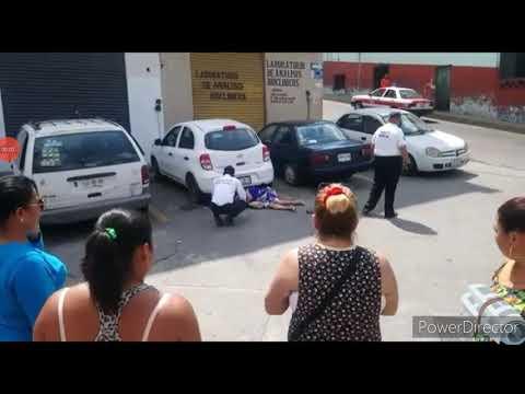 BALEAN A REPORTERA DEL DIÁRIO DE XALAPA MARIA ELENA FERRAL EN PAPANTLA VERACRUZ