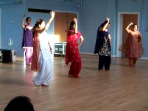 Miss Pooja - Aashiq performance 14 July 2009