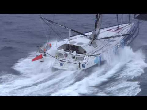 J25 : Armel Le Cléac'h et Alex Thomson filmés par la Marine Nationale / Vendée Globe