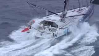 Spectaculair: Armel Le Cléac'h en Alex Thomson op de zuidelijke oceaan gefilmd door de Franse Marine