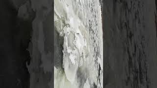 Страшно., аж жуть! Поход на рыбалку по опасному льду. Это стоит посмотреть.