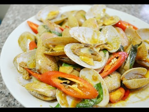 Thai food cooking tutorial hoi laai pad prik phao stir - Thailand cuisine recipes ...