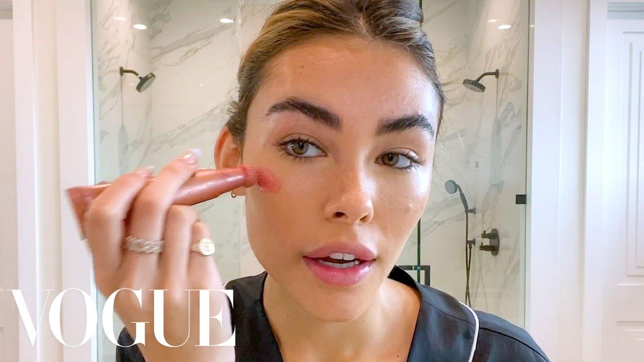 Любовь Толкалина показывает уход за кожей и макияж глаз  Vogue Россия