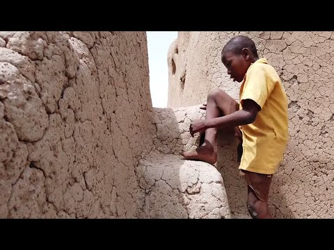 A Walk Through The Wulugu Mud House In Northern Ghana - Natural Air Conditioning - Ghana Travel Blog