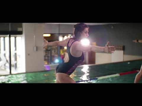 Übungen zum Abnehmen der Oberschenkel im Pool