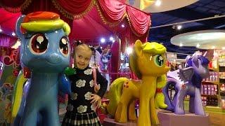 Центральный Детский Мир на Лубянке в Москве(часть1).The biggest Hamleys toy store in the world