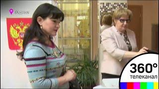 Советник Губернатора по культуре Нармин Ширалиева проголосовала в Видном в школе искусств