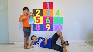 Brincando com o Rafael de contar até 10 - Рафаэль учат считать до 10