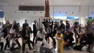 flash mob in Dubai, international airport- ARTmob Must See!
