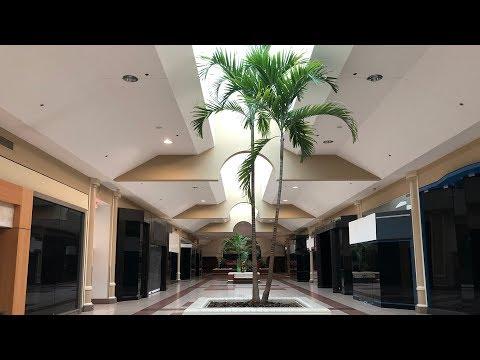 DEAD MALL : Virginia Center Commons with Sad Arcade