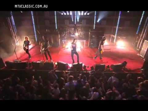 Slash   Myles Kennedy   Civil War   MTV Classic Launch