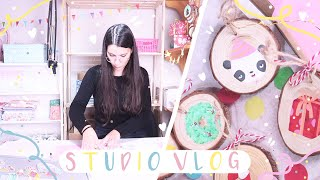 ⭐ STUDIO VLOG ⭐ // My honest thoughts about BLACK FRIDAY / Packing orders and painting wood slices!
