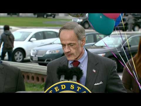 Sen. Tom Carper Celebrates 21 Years of Clean Air Act Amendments at Press Conference