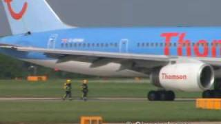 ThomsonFly 757 bird strike & flames captured on video thumbnail