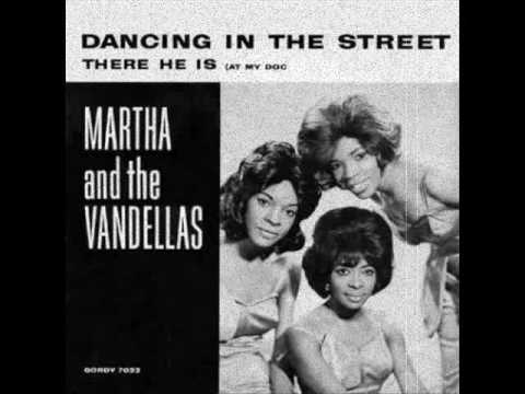 Martha Reeves & the Vandellas  Dancing in the Street 1964