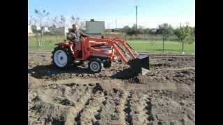 Kubota 1702 z turem. Japoński traktor ogrodniczy. www.traktorki-japonskie.waw.pl