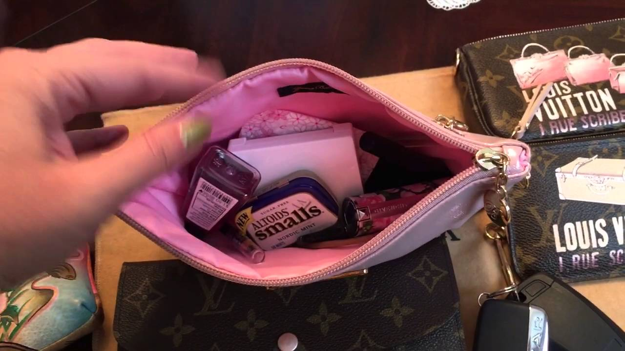 026c8c9f62b4 Louis Vuitton Petit Noe review and what s in my bag - YouTube