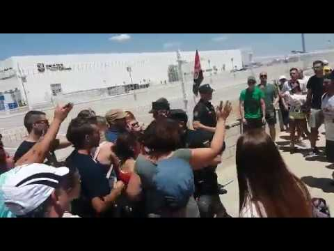 cargas-policiales-durante-la-huelga-del-prime-day-de-amazon