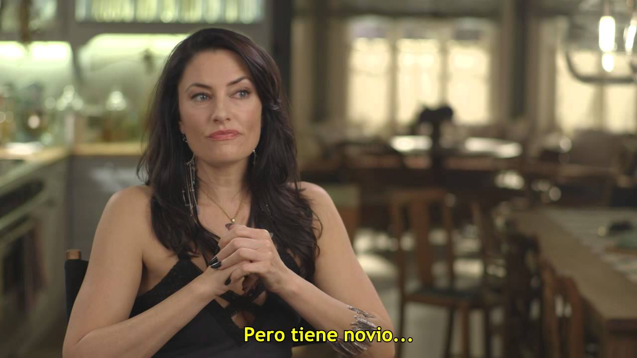 Witches of east end madchen amick youtube for Kinderzimmerlampe madchen