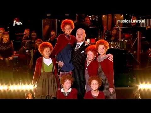 Musical Sing-a-Long 2012 - Annie
