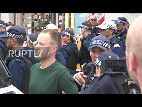 uk:-mounted-police-force-back-tommy-robinson-supporters-at-london-protest