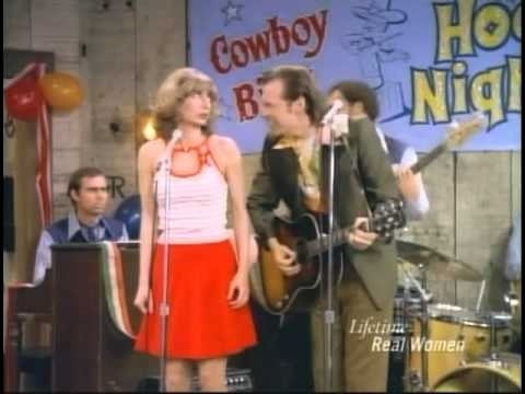 "Laverne & Shirley - Laverne and Lenny sing ""The Look"""