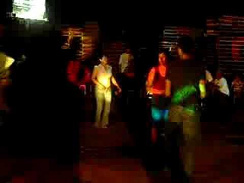 Edgar Diaz bailando