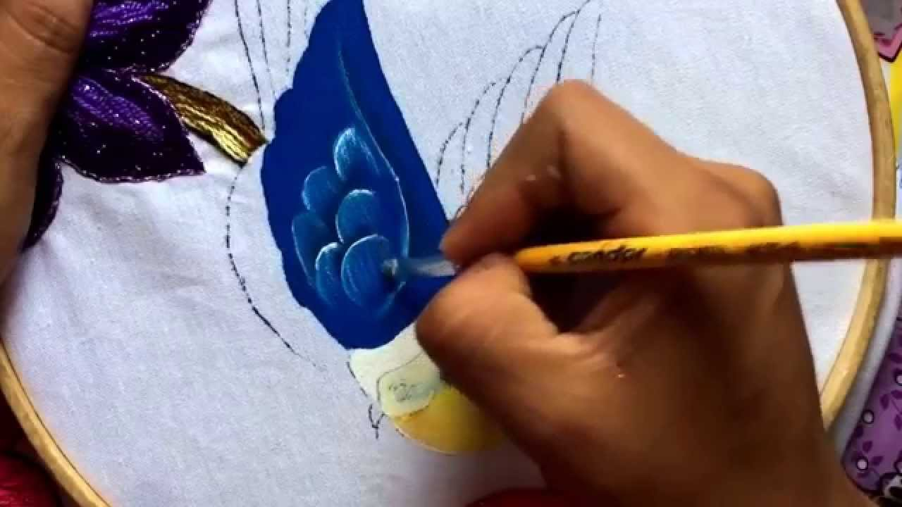 41.-Pintando pajaritos para servilleta de flores - YouTube