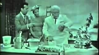 Полковник Сандерс готовит