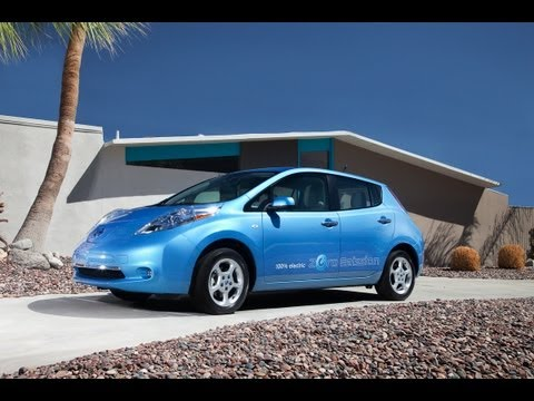2012-nissan-leaf---drive-time-review-with-steve-hammes-|-testdrivenow