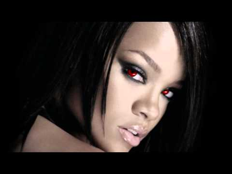 Rihanna  Disturbia Halloween Mix