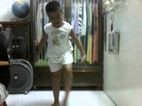 i am the best dance cover  8tuoi HOT