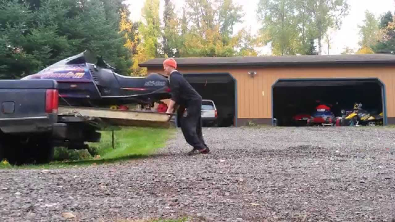 Snowmobile truck ramp