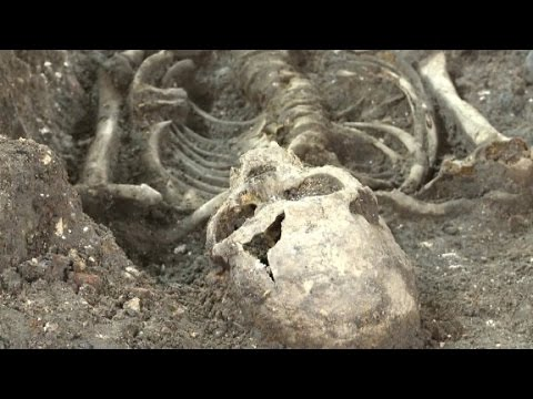 'Plague pit' unearthed in London Mp3