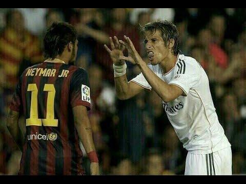 (BARCELONA X REAL MADRID - 16/04/2014) Neymar bate boca com Coentrão