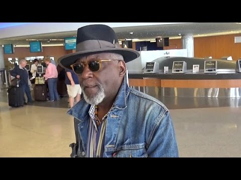 'Shaft' Star Richard Roundtree Makes Denim Look Slick At LAX