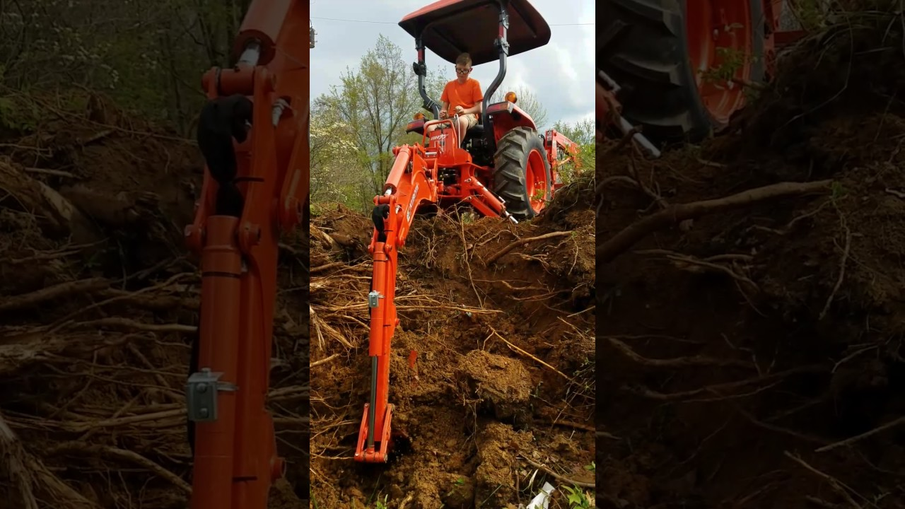 Kubota L2501 with a Bh77 backhoe