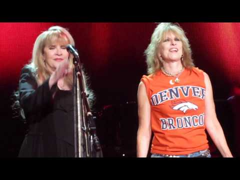 Stevie Nicks & Chrissie Hynde - Stop Draggin' My Heart Around - LIVE 4th Row Denver 27OCT2016