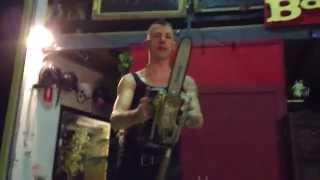 ▶ chainsaw under the leg juggling