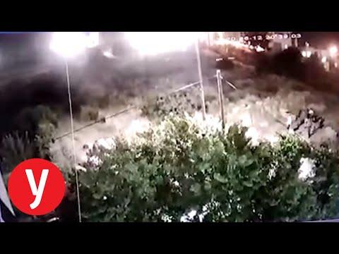 צפו בתיעוד: מתנחלים השליכו אבנים על כלי רכב ובית השייכים לפלסטינים בעיר העתיקה בחברון