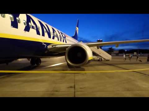 Ryanair | Toulouse–Blagnac-London Stansted |  737-800 |  Full Flight |