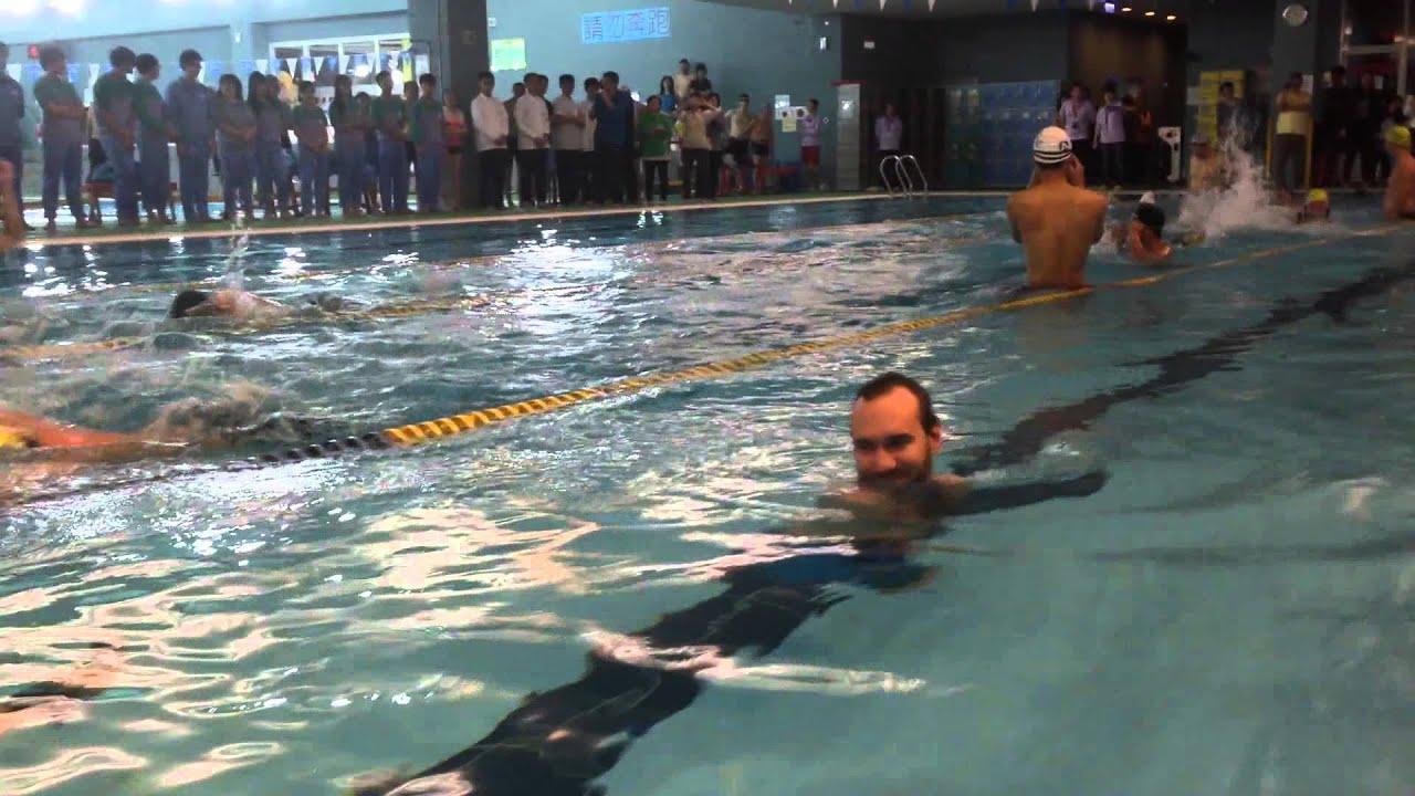 力克胡哲 游泳 Nick Vujicic Swimming in Taipei - YouTube
