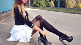 Девушки в коротких платьях, короткие юбки, чулки и высокие каблуки.Sexy Girls65