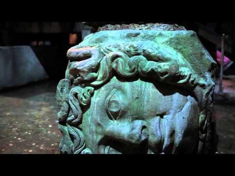 Yerebatan Sarnıcı'ndaki Medusa kafalarının özelliği nedir?