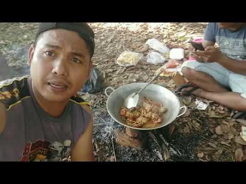 berburu-kepiting-bakau-langsung-dimasak