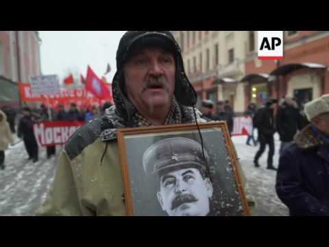 Russian Communists march for war veterans