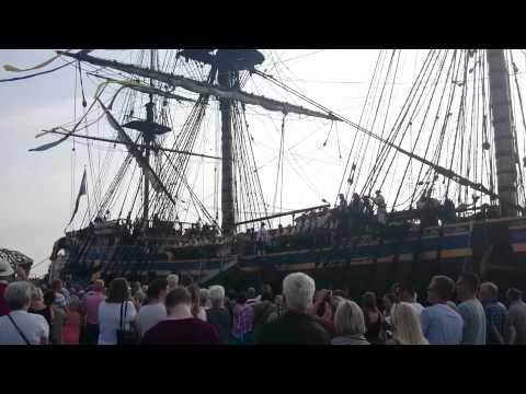 crew of the East Indiaman Göteborg sings South Australia (sea shanty)